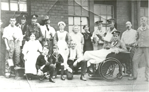 Alexandra Park Council School Military Hospital patients and staff 21647